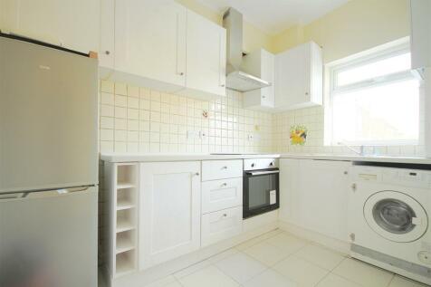 Northfield Avenue, Ealing. 2 bedroom flat
