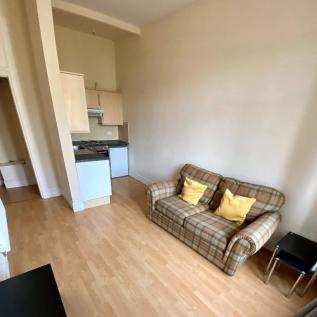 Maxwellton Street, Paisley, Renfrewshire, PA1. 1 bedroom flat