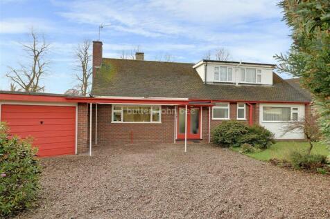 Woolaston Drive, Alsager, ST7 2PL, North West - Bungalow / 4 bedroom bungalow for sale / £315,000