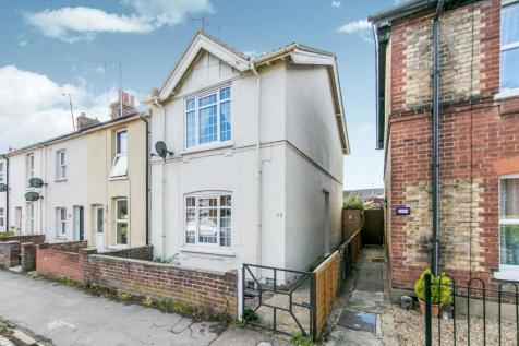 Albert Street, Colchester, Essex, CO1. 3 bedroom end of terrace house