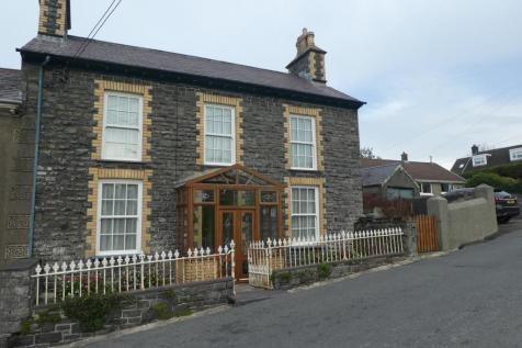 Llanon, Ceredigion, SY23, Mid Wales - Detached / 4 bedroom detached house for sale / £295,000