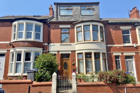 Seafield Road, Blackpool, Lancashire, FY1. 5 bedroom terraced house for sale