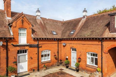 Capenor, Coopers Hill Road, Nutfield, Surrey, RH1. 4 bedroom house