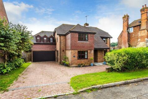 Grange Close, Bletchingley, Redhill, Surrey, RH1. 5 bedroom detached house for sale