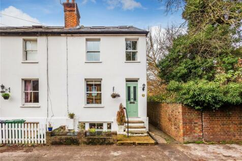 Nutley Lane, Reigate, Surrey, RH2. 4 bedroom end of terrace house for sale