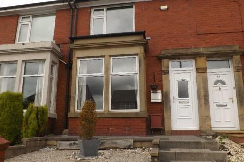 Chorley Road, Heath Charnock, Chorley, Lancashire, PR6. 2 bedroom terraced house