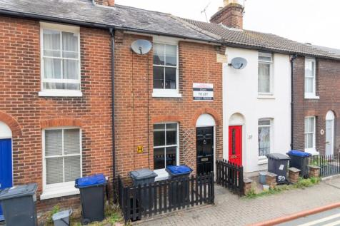 Black Griffin Lane, Canterbury, CT1. 3 bedroom terraced house