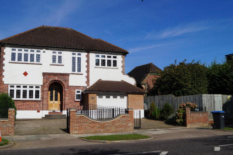 Prince George Avenue,London,N14. 5 bedroom detached house