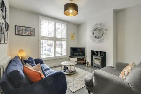 Kelvin Grove, London. 3 bedroom house for sale