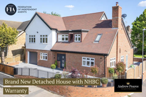 Wakehams Hill, Pinner. 5 bedroom detached house for sale