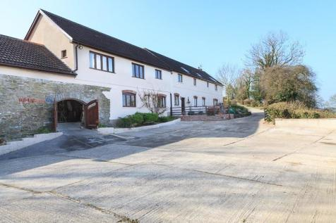 Pontantwn. 4 bedroom detached house for sale
