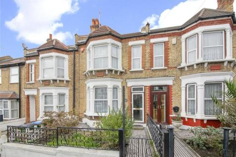 Swallowfield Road, Charlton. 3 bedroom terraced house for sale