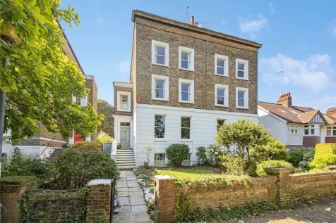 Diamond Terrace, Greenwich, SE10. 4 bedroom semi-detached house
