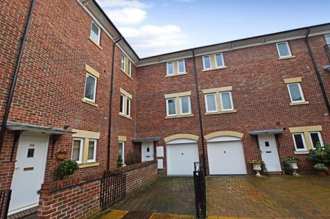 The Yonne, Chester. 4 bedroom town house