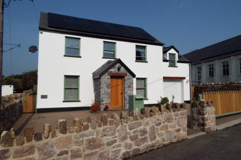Yr Hen Orsaf Ambiwlans, Reynoldston, Gower SA3 1AJ. 3 bedroom detached house