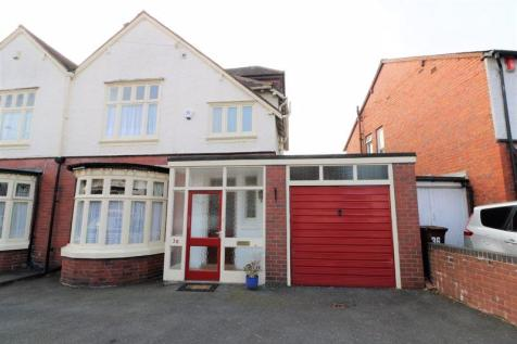 The Crescent, Walsall. 4 bedroom semi-detached house