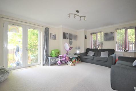 Southdown Court, Bersted Street. 2 bedroom flat