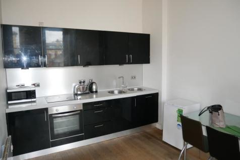 Flat 5 Tayson House, 36 Chapel Street, Bradford, BD1 5DP. 1 bedroom apartment
