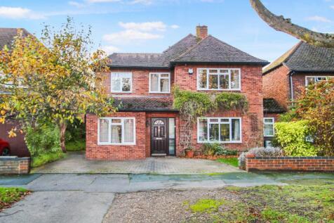 Pyrford, Surrey, GU22. 4 bedroom detached house for sale