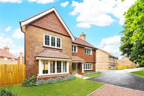 Willowbrook, Elmbridge Road, Cranleigh, Surrey, GU6. 4 bedroom detached house
