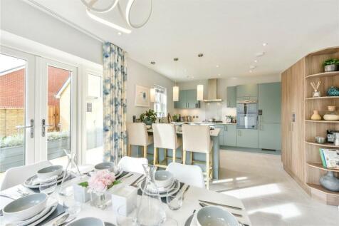 Aurum Green, Crockford Lane, Chineham, Hampshire, RG24. 5 bedroom detached house