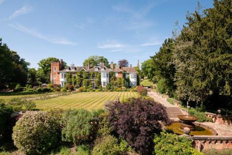 An impressive country estate in 30 acres. 9 bedroom country house