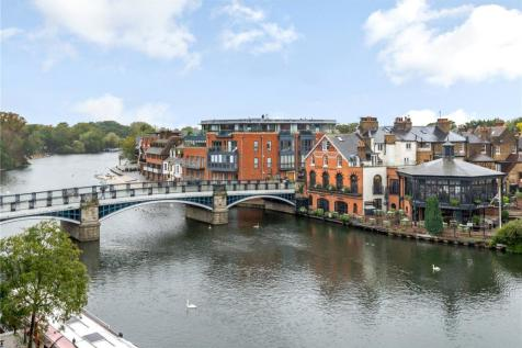 Thameside, Windsor, Berkshire, SL4. 2 bedroom apartment for sale