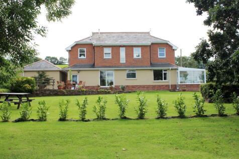 Landkey Road, Barnstaple. 4 bedroom detached house for sale