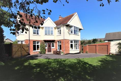 Landkey Road, Barnstaple. 5 bedroom detached house for sale