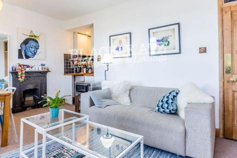 Gibson Square. 1 bedroom flat