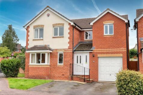 Fairacre Avenue, Barnstaple, Devon, EX32. 4 bedroom detached house for sale