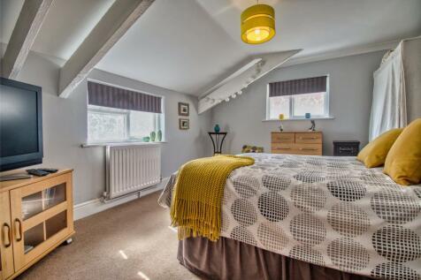 Newport Road, Barnstaple, Devon, EX32. 4 bedroom terraced house for sale