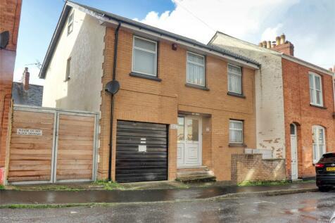 Portland Street, Barnstaple, Devon, EX32. 3 bedroom link detached house for sale