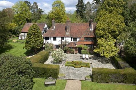 Ridge Hill Manor, Turners Hill Road, East Grinstead, West Sussex, RH19. 7 bedroom detached house