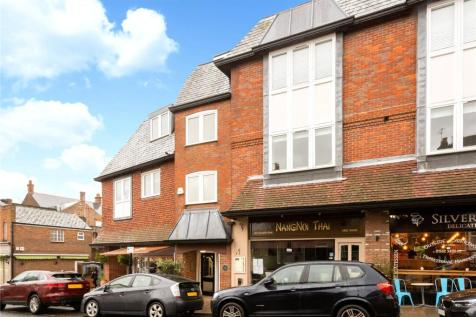 Clayton House, 5-7 Vaughan Road, Harpenden, Hertfordshire, AL5. 2 bedroom apartment
