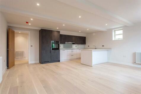 Hurlingham House, Quebec Road, Henley-on-Thames, Oxfordshire, RG9. 2 bedroom apartment