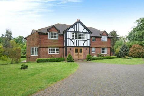 Seal Drive, Seal, Sevenoaks, Kent, TN15. 5 bedroom detached house