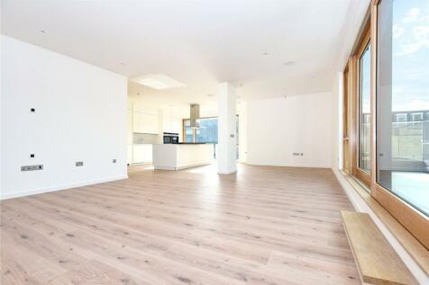 Epicurus House, 1-3 Akehurst Lane, Sevenoaks, Kent, TN13. 2 bedroom apartment