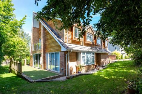 Hillside Close, Winchester, Hampshire, SO22. 5 bedroom detached house
