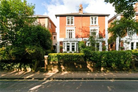 St. Cross Road, Winchester, Hampshire, SO23. 5 bedroom semi-detached house