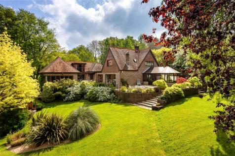 Woodside, Chilworth, Southampton, SO16. 5 bedroom detached house