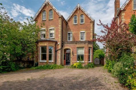 Christchurch Road, Winchester, Hampshire, SO23. 7 bedroom detached house