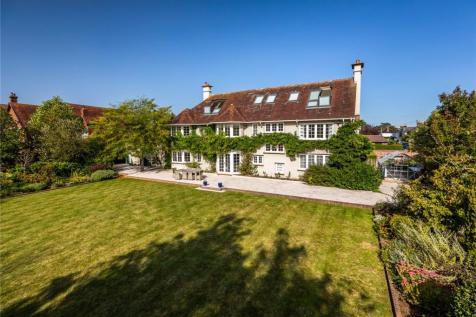 Stanley Road, Lymington, Hampshire, SO41. 6 bedroom detached house for sale