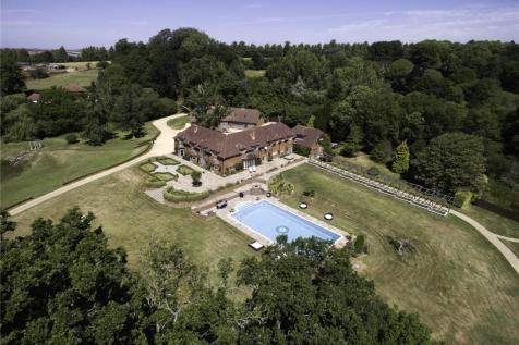 Hale, Fordingbridge, Hampshire, SP6. 10 bedroom equestrian facility for sale