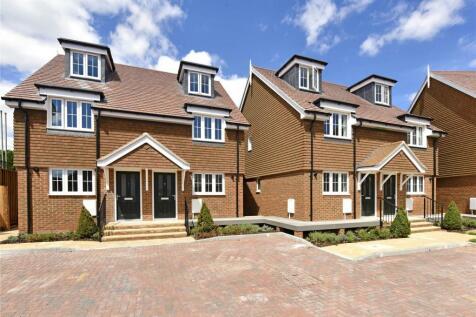 Ripplesmere Close, Old Windsor, Windsor, Berkshire, SL4. 3 bedroom terraced house