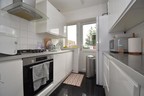 Garland Road London SE18. 3 bedroom terraced house