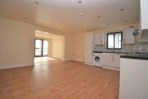 Brent Road London SE18. 2 bedroom flat