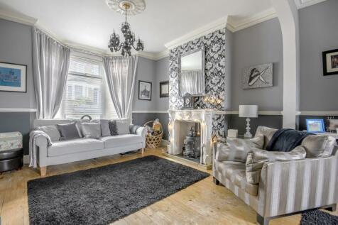 Genesta Road London SE18. 4 bedroom terraced house