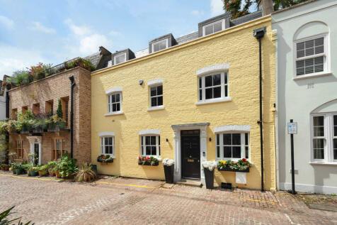 Rutland Mews South, Knightsbridge. 3 bedroom mews house