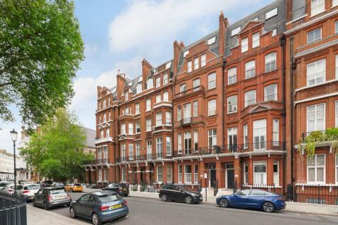 Cranley Gardens, Chelsea, SW7. 2 bedroom apartment